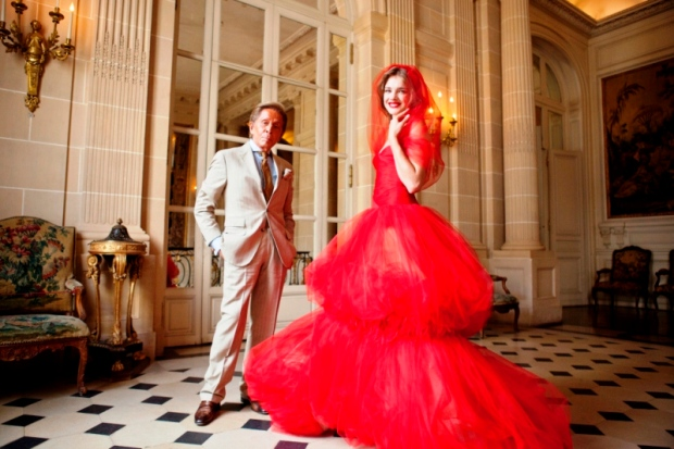 3-valentino-garavani-and-natalia-vodianova-at-musee-nissim-de-camodo-in-paris-2011-c-kevin-tachman