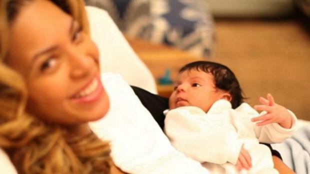 Beyonce Jay-Z Blue Ivy - 02