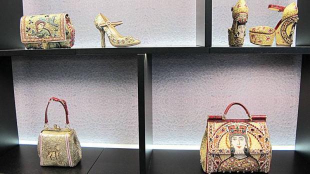 Dolce & Gabbana - 37  IN LOCO dolce gabbana 37