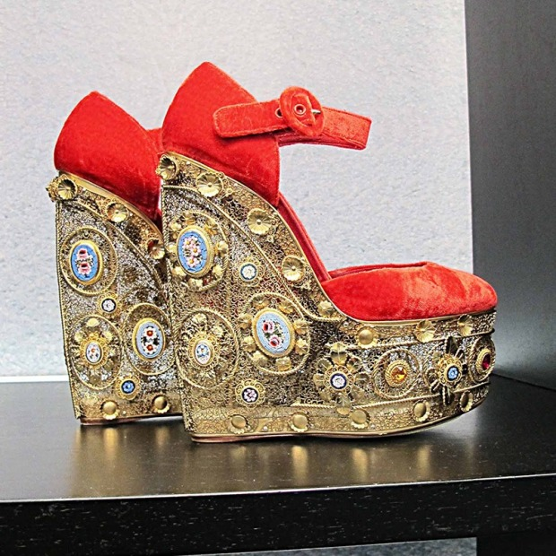 Dolce-&-Gabbana---47  IN LOCO dolce gabbana 47