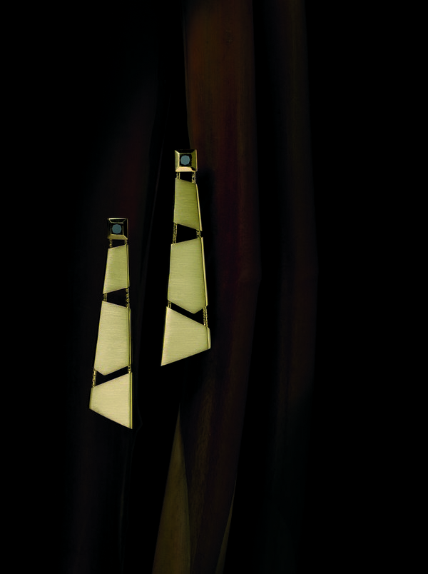 Luz e Sombra - Brincos longos  BRILHO NATURAL luz e sombra brincos longos